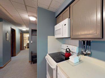 Kitchen.Hallway